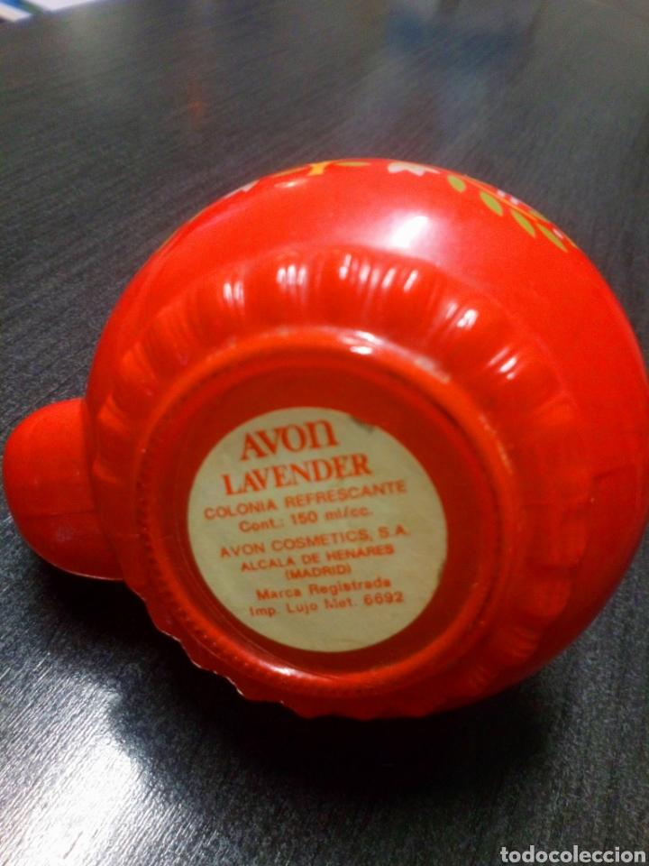 Miniaturas de perfumes antiguos: FRASCO TETERA DE CRISTAL COLONIA AVON LAVENDER AÑOS 60 - 70 TIENE SU COLONIA - Foto 6 - 151721378