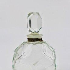 Miniaturas de perfumes antiguos: BOTELLA DE CRISTAL TALLADO PARA PERFUME .FINALES DEL SIGLO XIX.. Lote 151733230