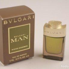 Miniaturas de perfumes antiguos: MINIATURA BVLGARI MAN WOOD ESSENCE EDP 5 ML . Lote 153453318