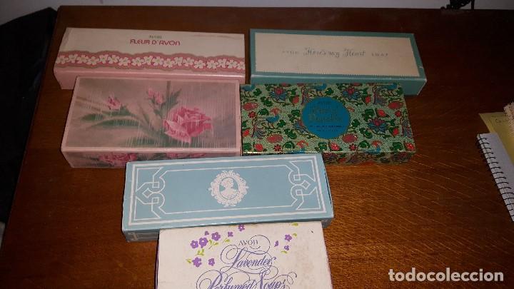 Miniaturas de perfumes antiguos: LOTE JABONES AVON - Foto 2 - 157480658
