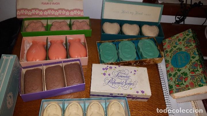 Miniaturas de perfumes antiguos: LOTE JABONES AVON - Foto 4 - 157480658
