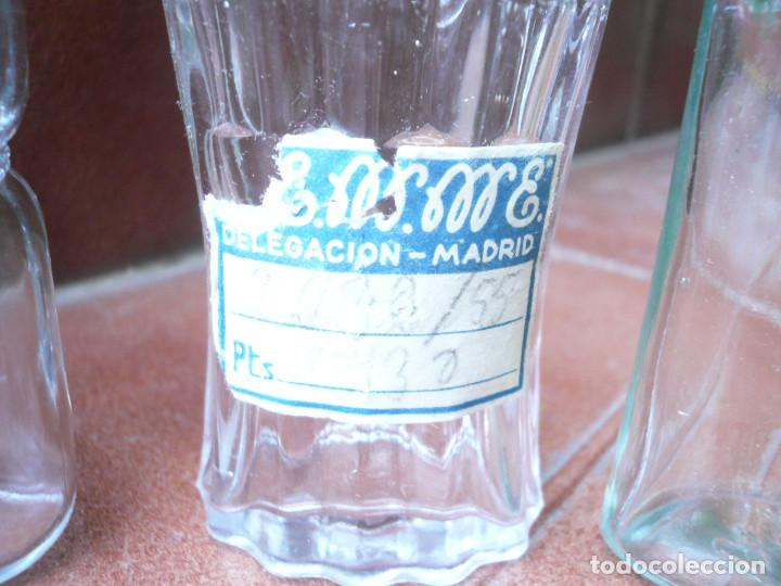 Miniaturas de perfumes antiguos: LOTE DE 3 ANTIGUAS BOTELLITAS DE PERFUME: FLORALIA, LUCKY STRIKE Y GRANEL. ALTURA 9 CM. - Foto 4 - 164754554