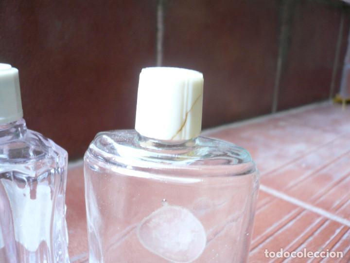 Miniaturas de perfumes antiguos: LOTE DE 3 ANTIGUAS BOTELLITAS DE PERFUME: FLORALIA, LUCKY STRIKE Y GRANEL. ALTURA 9 CM. - Foto 8 - 164754554