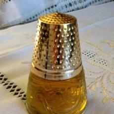 Miniaturas de perfumes antiguos: ANTIGUO FRASCO DE PERFUMES AVON - GOLDEN THIMBLE. Lote 164792326