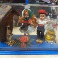 Miniaturas de perfumes antiguos: CREACIONES GRAN CHIC.RECUERDO DE CATALUÑA.PERFUME,VIRGEN MORENETA Y FIGURAS. AÑOS 50.SOUVENIR.. Lote 165679094