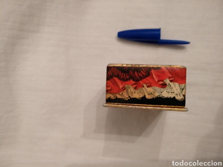 Miniaturas de perfumes antiguos: Lote MAJA MYRURGIA. Antigua cajita miniatura Maja Myrurgia y dos jabones hotel Maja Myrurgia - Foto 11 - 168973726