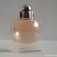 Miniaturas de perfumes antiguos: MINIATURA DE PERFUME DE AZZARO. Lote 169131528