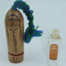 Miniaturas de perfumes antiguos: PERFUMERO MADERAS DE ORIENTE MARCA MYRURGIA EN MADERA Y CRISTAL.CON SU ESTUCHE ORIGINAL, ES MUY ANTI. Lote 169168324