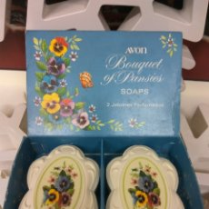 Miniaturas de perfumes antiguos: AVON JABÓN PERFUMADO BOUQUET OF PANSIES. Lote 211593706