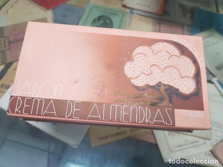 ANTIGUA CAJA ESTUCHE PERFUMERIA JABON DE ALMENDRAS QUIMIFLOR (Coleccionismo - Miniaturas de Perfumes)