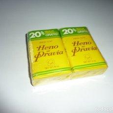 Miniaturas de perfumes antiguos: VINTAGE JABON HENO DE PRAVIA JUEGO 2 PASTILLA DE JABON DE 150 GRAMOS CADA . FA. GAL - AÑOS 70. Lote 174457754