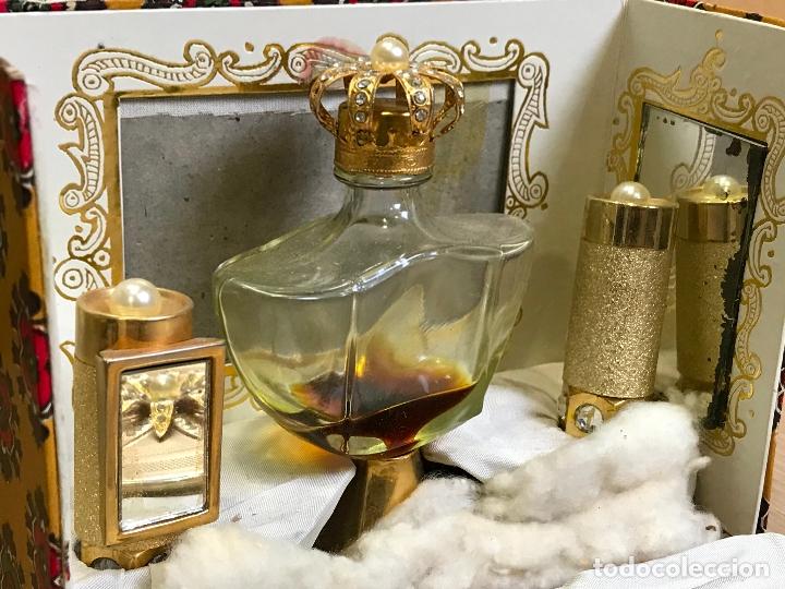 Miniaturas de perfumes antiguos: ANTIGUA CAJA ESTUCHE PERFUMERO Y MAQUILLAJE MYRNA PONS - Foto 5 - 175223139