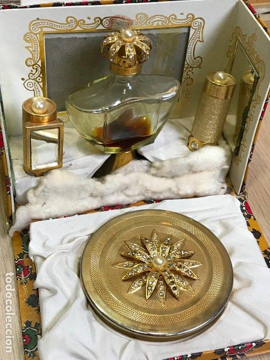 Miniaturas de perfumes antiguos: ANTIGUA CAJA ESTUCHE PERFUMERO Y MAQUILLAJE MYRNA PONS - Foto 7 - 175223139