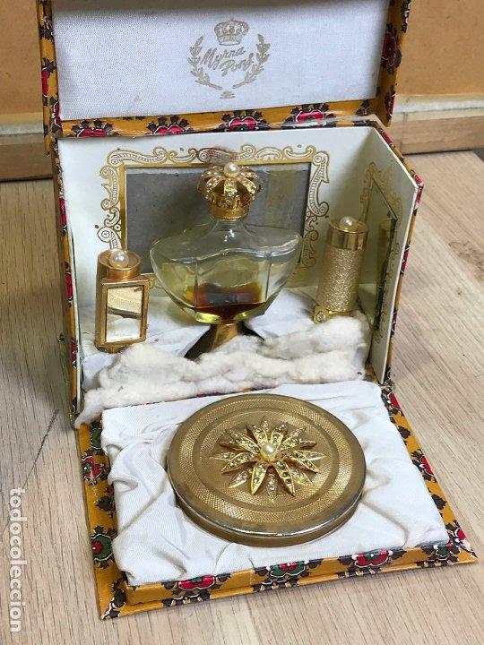 ANTIGUA CAJA ESTUCHE PERFUMERO Y MAQUILLAJE MYRNA PONS (Coleccionismo - Miniaturas de Perfumes)