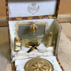 Miniaturas de perfumes antiguos: ANTIGUA CAJA ESTUCHE PERFUMERO Y MAQUILLAJE MYRNA PONS. Lote 175223139