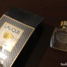 Miniaturas de perfumes antiguos: LALIQUE POUR HOMME MINIATURA DE PERFUME EN SU ESTUCHE ORIGINAL. Lote 176295524