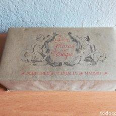 Miniaturas de perfumes antiguos: ANTIGUA CAJA PUBLICIDAD JABÓN FLORES DEL CAMPO PERFUMERIA FLORALIA MADRID. Lote 177661565