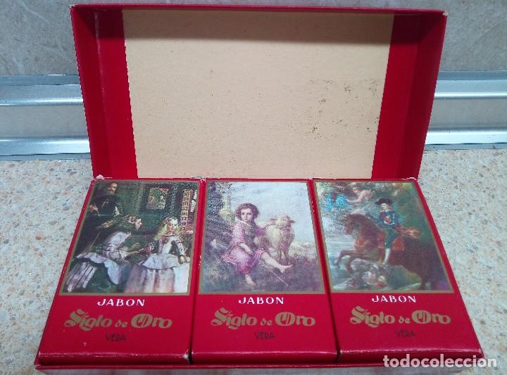 Miniaturas de perfumes antiguos: CAJA DE JABON SIGLO DE ORODE VERA CON 3 JABONES VELAZQUEZ * SIN ABRIR * - Foto 3 - 178353183
