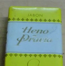 Miniaturas de perfumes antiguos: PASTILLA JABÓN HENO DE PRAVIA GAL SIN ABRIR. Lote 183171493