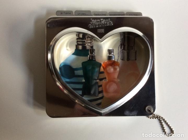 Miniaturas de perfumes antiguos: 2miniaturas Jeannette Paul Gaultier en su estuche original muy buscado y raro de 13x14cm - Foto 2 - 184829225