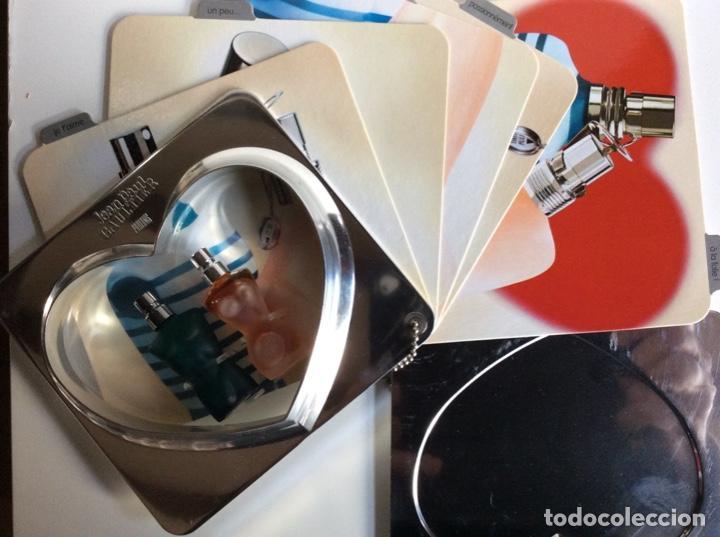 Miniaturas de perfumes antiguos: 2miniaturas Jeannette Paul Gaultier en su estuche original muy buscado y raro de 13x14cm - Foto 3 - 184829225