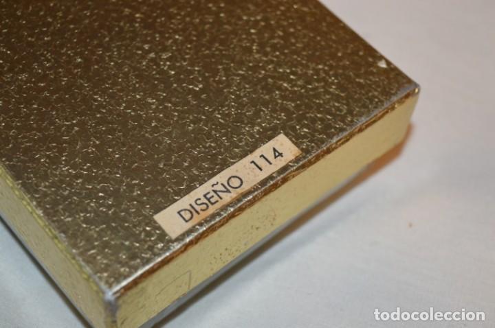 Miniaturas de perfumes antiguos: Vintage --- PRECIOSO y antiguo --- ESTUCHE Diseño 114 / MANDALAY / VERA ESPAÑA --- ¡Mira! - Foto 7 - 190749591