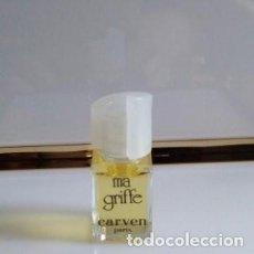 Miniaturas de perfumes antiguos: MINIATURA DE PERFUME MICROMINIATURA MA GRIFE DE CARVEN. Lote 203772008