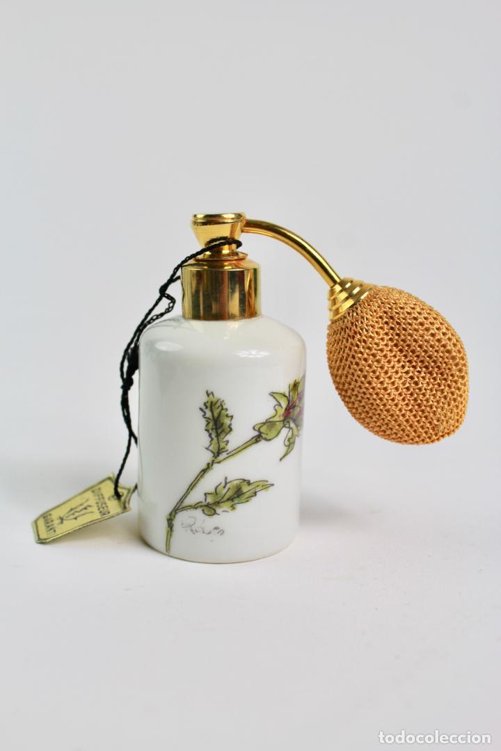 PERFUMERO DE PORCELANA DE LIMOGES. SXX. CON DIFUSOR. (Coleccionismo - Miniaturas de Perfumes)