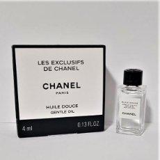 Miniaturas de perfumes antiguos: NOVEDAD 2019 !!! MINIATURA CHANEL LES EXCLUSIFS HUILE DOUCE 4 ML. Lote 194782803
