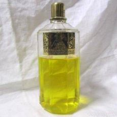 Miniaturas de perfumes antiguos: FRASCO DE COLONIA EMBRUJO DE SEVILLA DE MYRURGIA 14 CM DE ALTURA. Lote 195047643