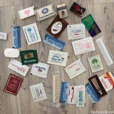 Miniaturas de perfumes antiguos: LOTE COLECCIÓN MUESTRAS BELLEZA, ARTÍCULOS DE VIAJES, DE TODO EL MUNDO Y AVIÓN. AÑOS 80. Lote 199300846