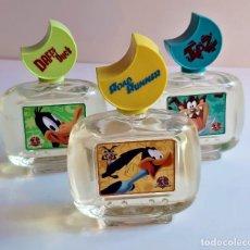 Miniaturas de perfumes antiguos: WARNER BROS 3 COLONIAS DE 100.ML ENTERAS SIN USAR - 12.CM ALTO. Lote 205446268