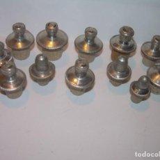 Miniaturas de perfumes antiguos: ANTIGUOS TAPONES DE CORCHO Y PLOMO TOTAL 12 UNIDADES.DIFERENTES MEDIDAS PARA BOTELLITAS.. Lote 206893996