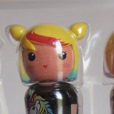 Miniaturas de perfumes antiguos: CHEERY. MINIATURA DE PERFUME KOKESHI. BY JEREMY SCOTT.. Lote 207026243