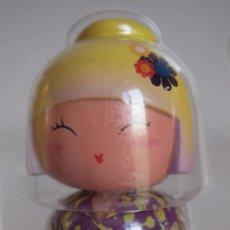Miniaturas de perfumes antiguos: LOTUS. MINIATURA DE PERFUME KOKESHI. BY JEREMY SCOTT.. Lote 207026310