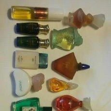 Miniaturas de perfumes antiguos: 18 FRASQUITOS DE PERFUMES EN MINIATURA (BALENCIAGA, CHANNEL,...) + 2 FRASQUITOS DE SALES DE BAÑO. Lote 207128693