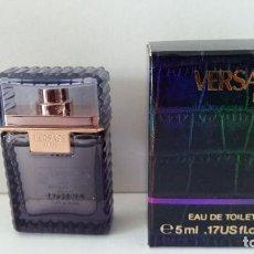 Miniaturas de perfumes antiguos: MINIATURA VERSACE MAN. Lote 207362745