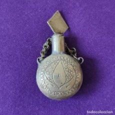 Miniaturas de perfumes antiguos: ANTIGUO PERFUMERO METALICO. LABRADO Y GRABADO CON FILIGRANA.. Lote 207927846