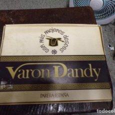 Miniaturas de perfumes antigos: COLONIA PERFUME VARON DANDY PARERA EN ESTUCHE NUEVO RESTO DE TIENDA VINTAGE. Lote 210181411
