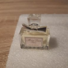 Échantillons de parfums anciens: MINIATURA MISS DIOR CHERIE. Lote 212132506