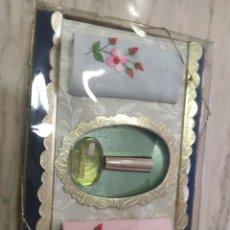 Miniaturas de perfumes antiguos: CAJA DE PERFUME Y PAÑUELOS HELVETIA VINTAGE. Lote 218880958