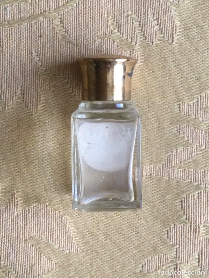 Miniaturas de perfumes antiguos: ANTIGUA MINIATURA DE PERFUME NOBLESSE DE LEGRAIN PARIS - Foto 3 - 231827930