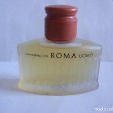 Miniaturas de perfumes antiguos: AFTER SHAVE - ROMA UOMO - LAURA BIAGIOTTI - 75 ML - LLENA. Lote 232551270