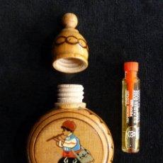 Miniaturas de perfumes antiguos: PERFUMERO DE MADERA PINTADO A MANO. RECUERDO BULGARIA. CONTIENE PERFUME. AÑOS 70-80. Lote 236900035