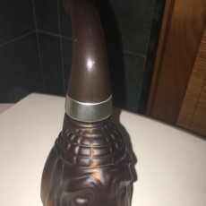 Miniaturas de perfumes antiguos: PERRO PIPA AVON. Lote 239553095