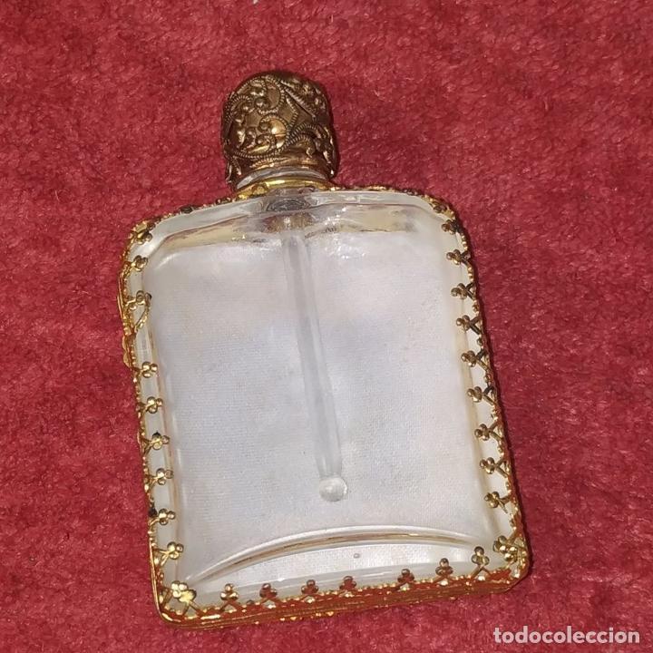 Miniaturas de perfumes antiguos: PERFUMERO DE DAMA. METAL CHAPADO EN ORO. CRISTAL. BORDADO. ESPAÑA. SIGLO XIX - Foto 8 - 245579770