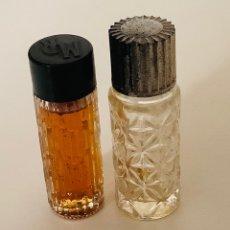 Miniaturas de perfumes antiguos: LOTE VINTAGE: DOS FRASCOS DE CRISTAL TALLADO MUESTRA WEIL Y MOTOR RACING. AÑOS 70. Lote 252620625