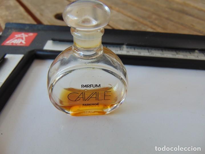 Miniaturas de perfumes antiguos: PERFUMERO EN METAL , CON SU BOTE DE PERFUME O COLONIA EN CRISTAL CAVALE ,DECAT PARIS - Foto 2 - 259212415