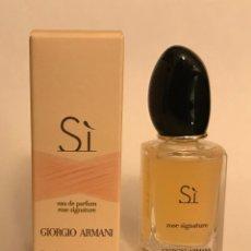 Miniaturas de perfumes antiguos: MINIATURA SI ARMANI ROSE SIGNATURE. Lote 261957000