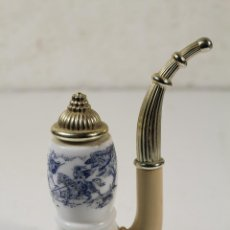 Miniaturas de perfumes antiguos: BOTELLA COLONIA PIPA AVON. Lote 262171290